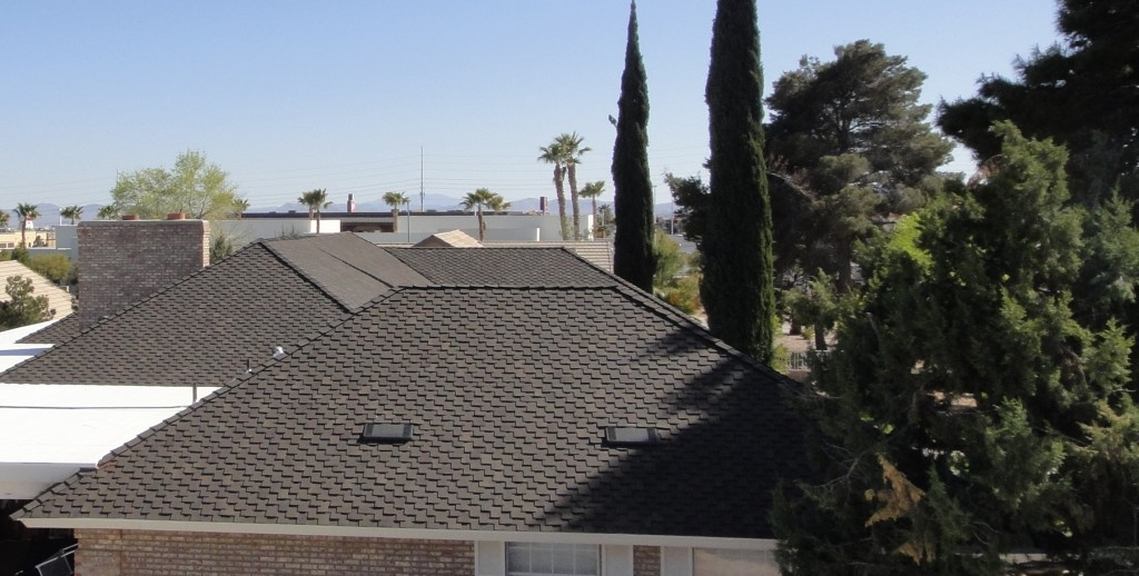 picture of a clean new residential shingle roof