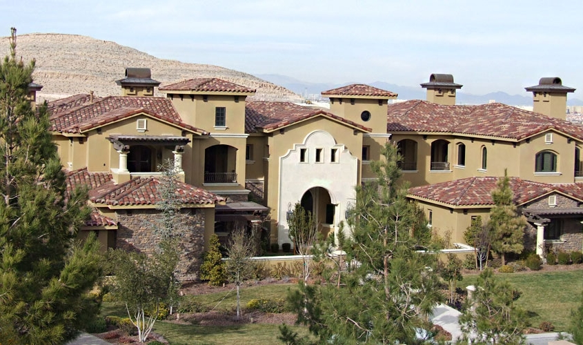 Huge luxury home with new tile roof in Henderson, Nevada
